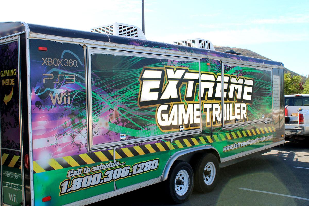 ExtremeGameTrailerTruck_1200px